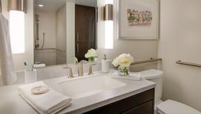 bathroom decor at viamonte
